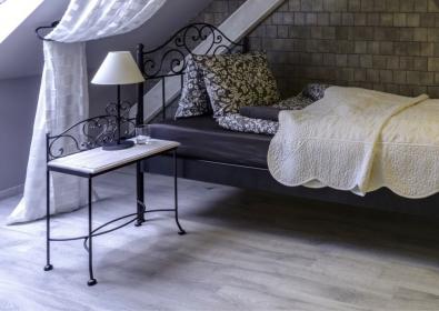 Nočný stolík Malaga bez zásuvky