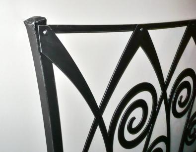 Postel Ronda - detail, barva černá se stříbrnou patinou