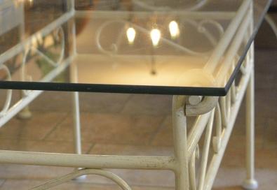 Konferečný stolík so sklom Romantic krémová so zlatou patinou