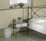 Nočný stolík THOLEN so zásuvkou