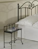Nočný stolík SARDEGNA so sklom