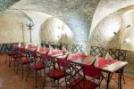 Kovaný nábytok do reštaurácií - reštaurácia na Zámku Hrádek